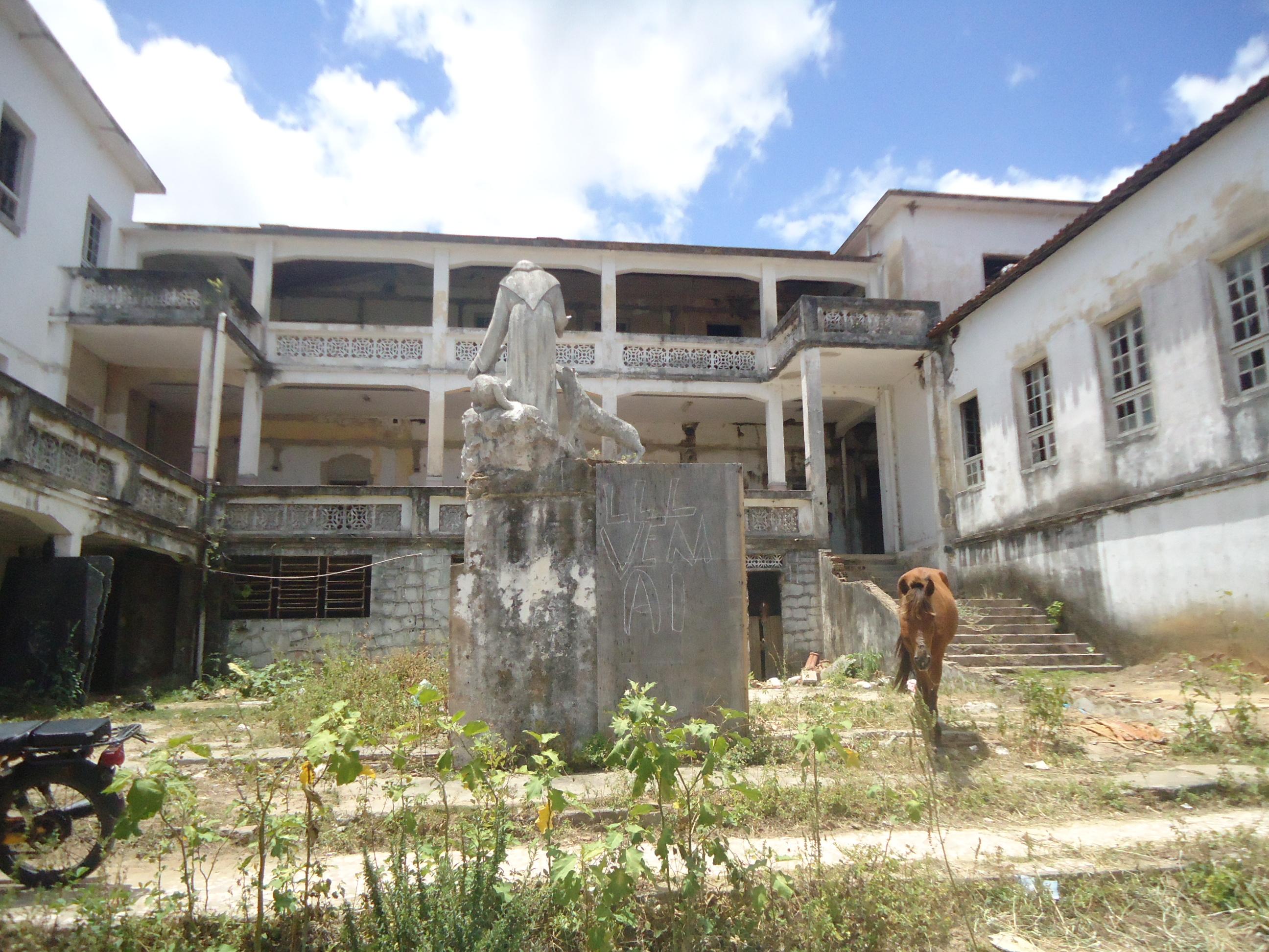 Local onde estava sendo construída biblioteca municipal de João Pessoa