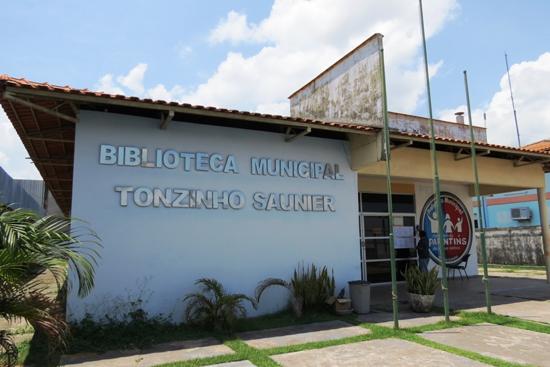 Fachada da Biblioteca pública municipal de Parintins