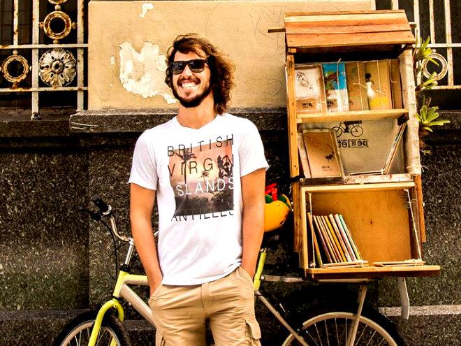 André Arribas começa a chamar a atenção com sua biblioteca-livraria. Foto: Ana Lúcia/Divulgação