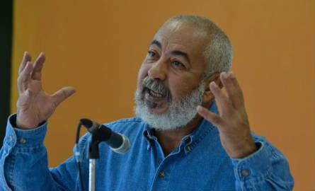 Leonardo  Padura:  escritores  têm  a  responsabilidade  de descrever a vida cotidiana. Foto: Tânia Rêgo/Agência Brasil