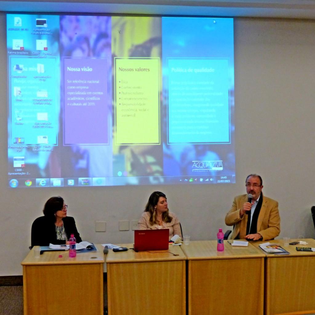 Mesa de abertura com Elisa Machado, Veridiana Negrini e José Castilho. Foto: Hanna Gledyz / Agência Biblioo