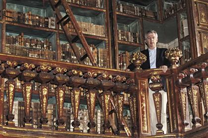 """José Augusto Bernardes, diretor da Biblioteca Geral da UC, pede mais apoios para a conservação e restauro: """"Não faltam livros para recuperar"""" Fotografia © Fernando Fontes / Global Imagens"""