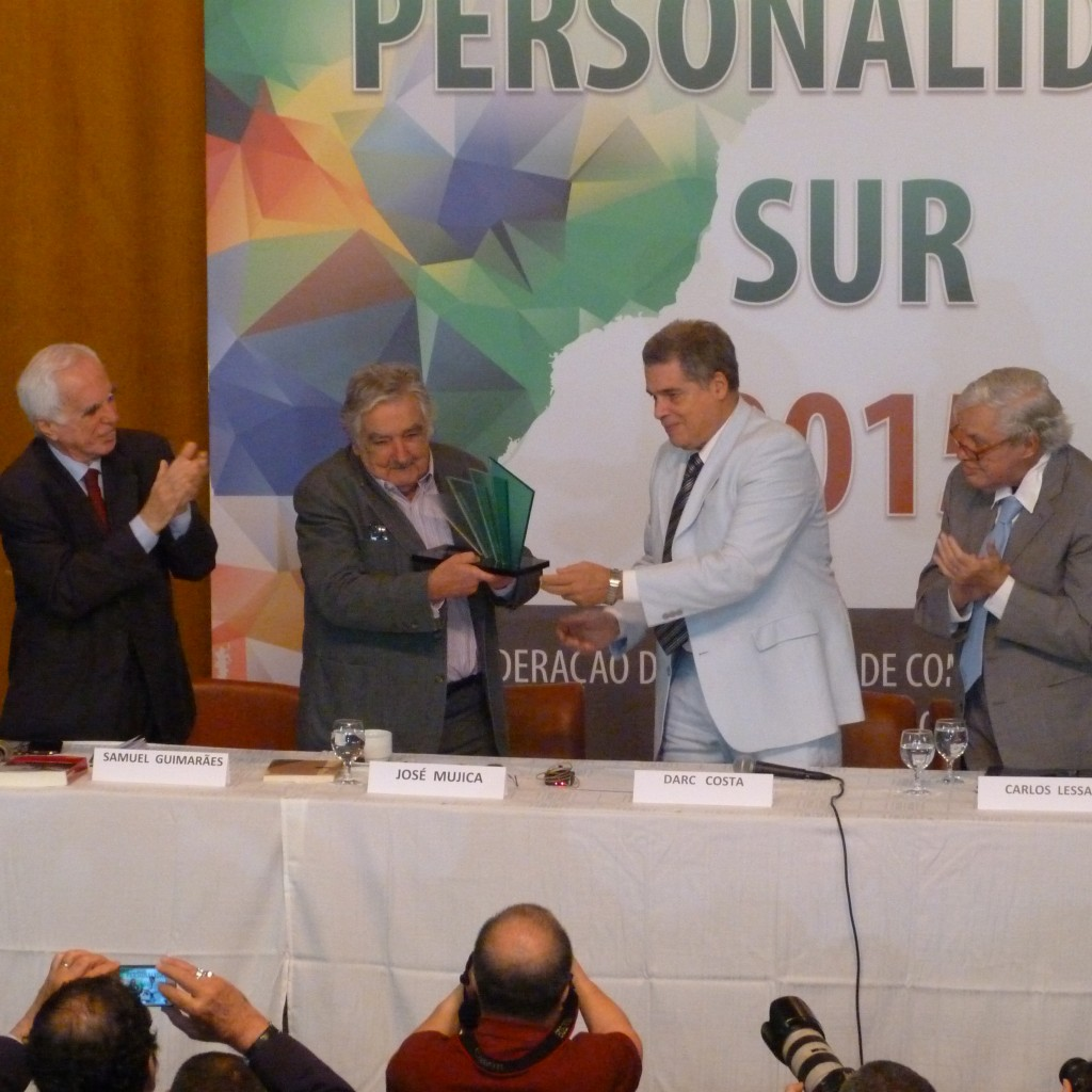 Mujica recebe o prêmio Personalidade Sur 2015. Foto: Rodolfo Targino / Agência Biblioo