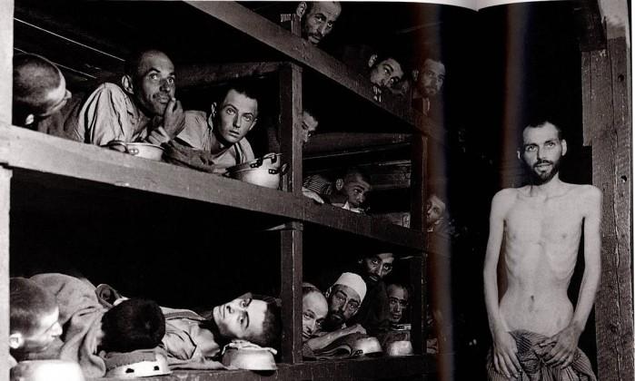 Judeus no campo de concentração nazista de Auschwitz na Polônia - Arquivo/The Hulton Deutsch Collection/1939