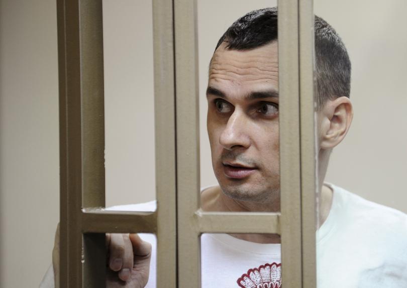 Diretor de cinema ucraniano, Oleg Sentsov, condenado a 20 anos de prisão por acusações de terrorismo.Foto: Reuters.
