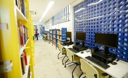 O equipamento agora disponibiliza um acervo de 11 mil livros para a população Foto: Andréa Rêgo Barros/PCR