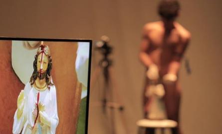 Cláudio Rodrigues - De um corpo ensanguentado - img destaque