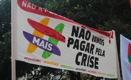 """""""Não vamos pagar pela crise"""". Recado dos trabalhadores. Foto: Chico de Paula / Agência Biblioo"""