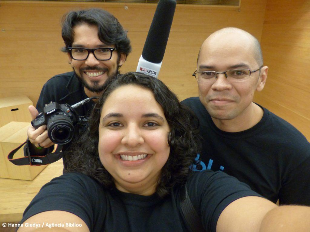 Editores da Biblioo durante cobertura do Bibliocamp 2016 no Rio. Rodolfo Targino, Hanna Gledyz e Chico de Paula.